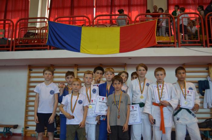 У румунському місті Сату Маре 8 червня відбувся міжнародний турнір з дзюдо серед дітей та ветеранів. Про це повідомив Віктор Камінський.