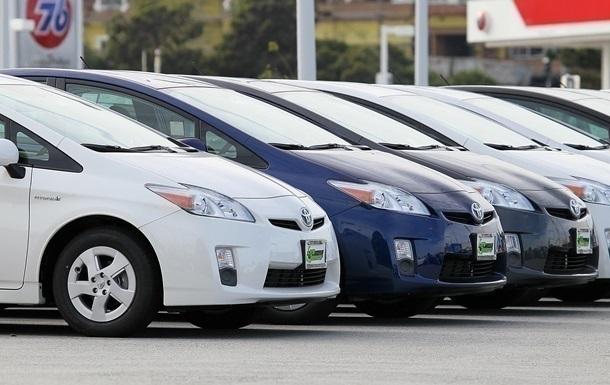 Відтепер при продажу третього за рік автомобіля потрібно заплатити 18% податків, тоді як раніше було 5%.