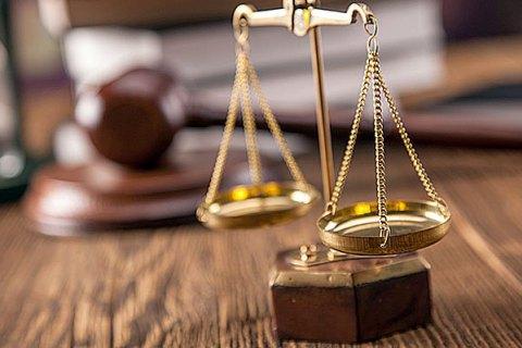 На Закарпатті справу щодо злочинної діяльності керівника облавтодору направлено до суду.