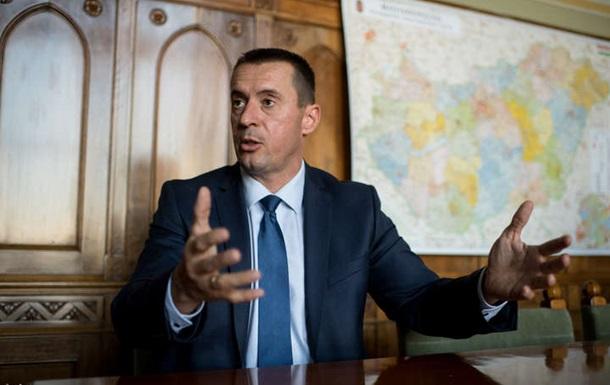 Лідера угорських націоналістів Томаша Шнайдера звинувачують у замаху на територіальну цілісність України.