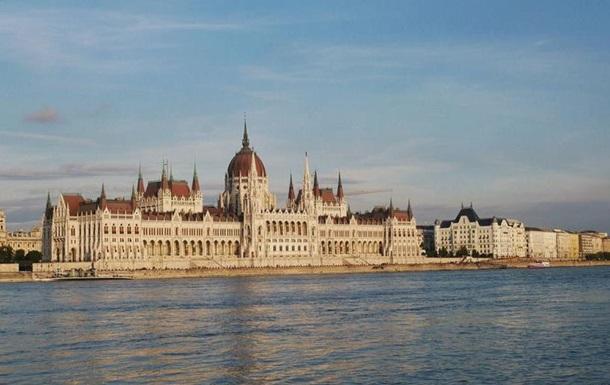 Парламент Угорщини ухвалив закон, який скасовує можливість юридичного визнання зміни статі. Згідно з новими правилами транс- та інтерсексуали не зможуть змінити стать в офіційних документах.