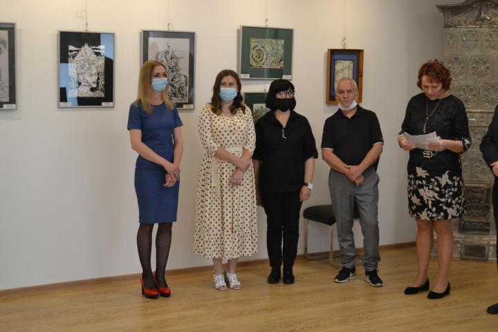 Організували її у виставковому залі імені Міхая Мункачі, що діє при консульстві Угорщини в Берегові.