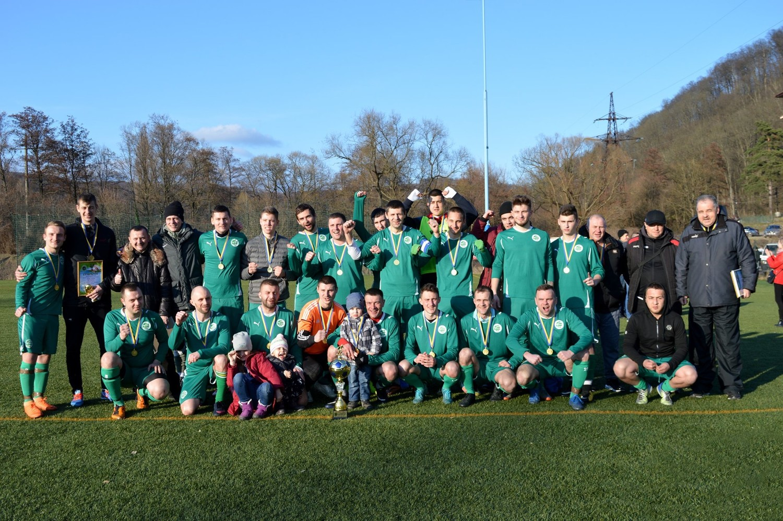 У неділю, 8 березня, на стадіоні ГСК Камелот відбувся фінал Зимової першості Ужгородського району з футболу.