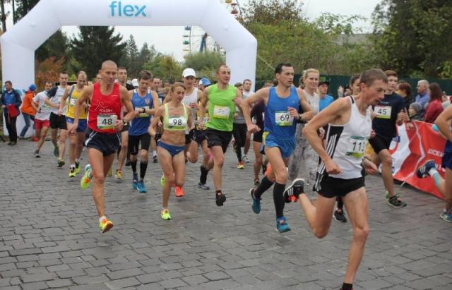 Вже цієї неділі відбудеться Mukachevo Half Marathon і організатори вже  поділитись цьогорічною програмою заходу.