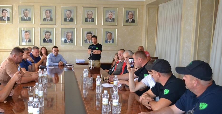 Керівництво Закарпатської облради провело зустріч з громадськістю щодо обґрунтованості «газових» тарифів.