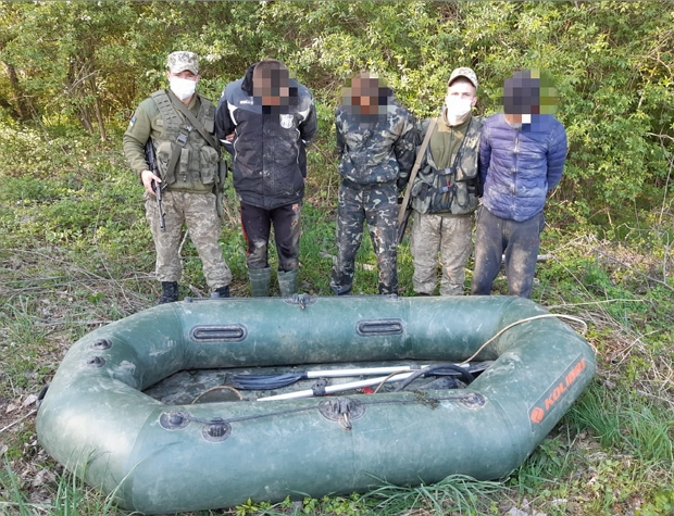 Українців затримали сьогодні поблизу кордону з Угорщиною.