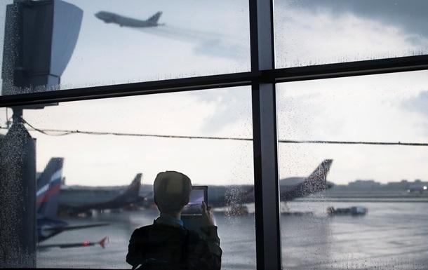 Українці продовжать повертатися додому з різних країн спецрейсами, незважаючи на закриття кордонів.