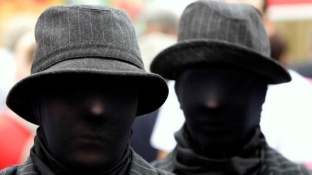 Закарпатці разом із ще 2-ма спільниками пограбували 36-річного жителя м.Первомайськ Миколаївської області.