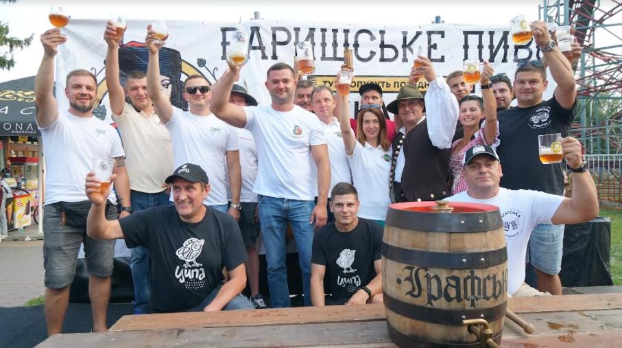 За традицією діжку хмільного напою відкоркував Мукачівський міський голова Андрій Балога.