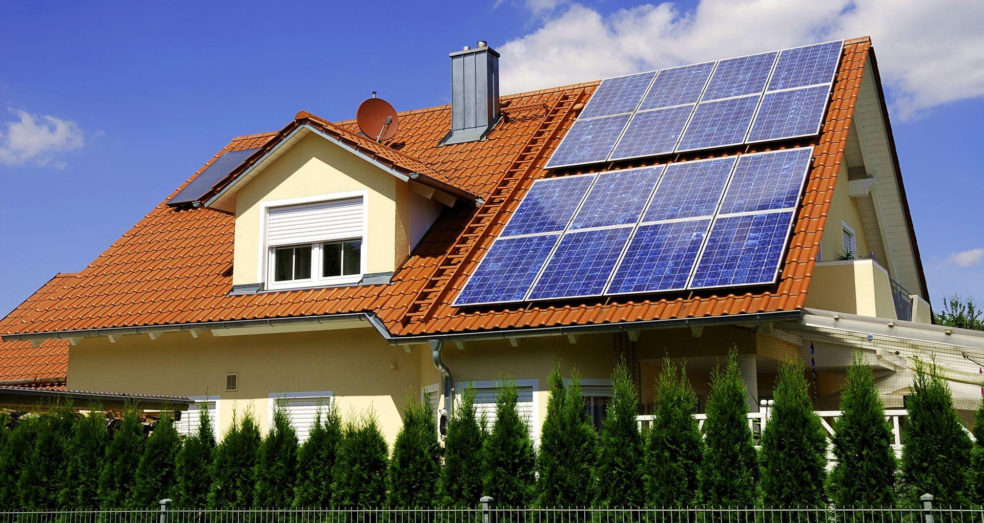Йдеться про ті домогосподарства, де здійснюється виробництво електроенергії з енергії сонячного випромінювання.