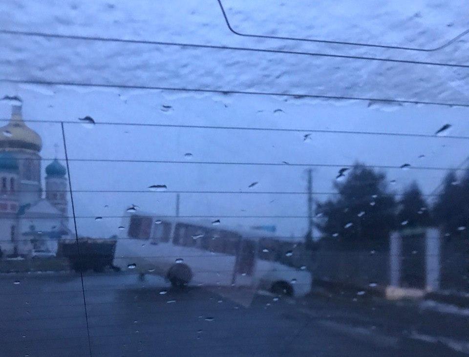 У селі Минай, що під Ужгородом, автобус в'їхав у кювет.