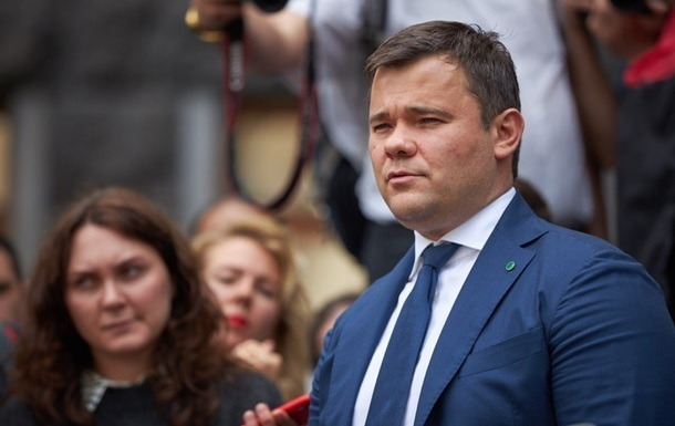 Андрій Богдан попросив главу держави звільнити його за власним бажанням, стверджує джерело.