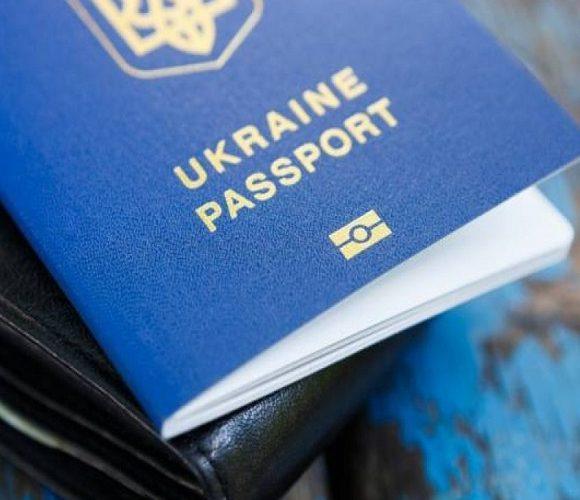 Проблеми виникли через відсутність регулярного авіасполучення, сказав глава МЗС і додав, що цими питаннями займається Вадим Пристайко.