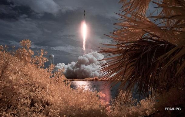 Політ Crew Dragon уже ввійшов в історію - вперше приватна космічна компанія використала власну розробку, щоб доставити людей на орбіту.