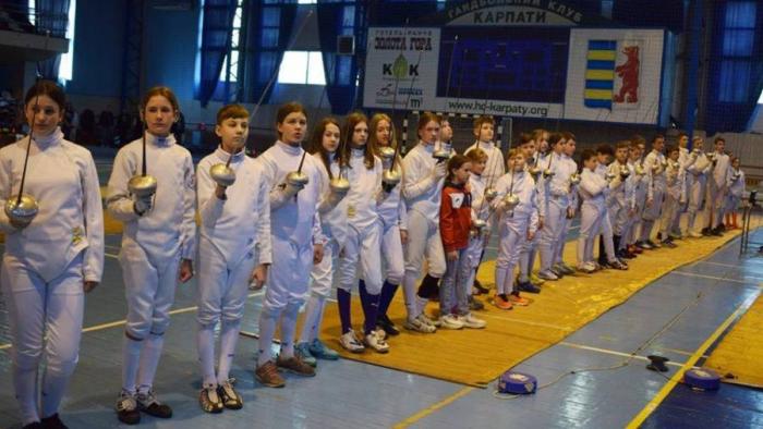В ужгородском СК «Юность» 8-9 марта состоялся традиционный всеукраинский турнир «Детской лиги Миронюка» по фехтованию на шпагах.