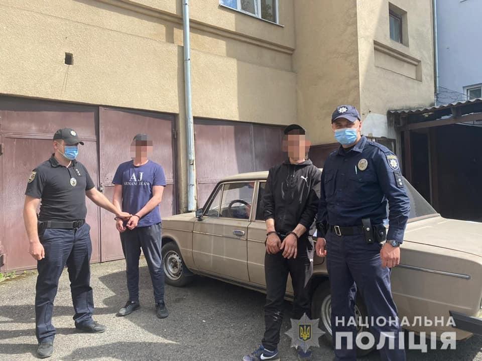 Вчора, 4 червня, близько 9:00 ранку, до поліції з повідомленням про злочин звернувся керівник одного з заводів у місті Мукачево.