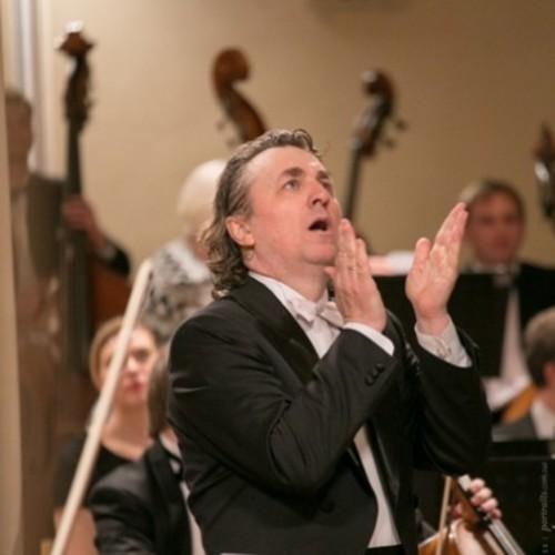 Національний заслужений академічний симфонічний оркестр України дасть концерт в обласному центрі Закарпаття.