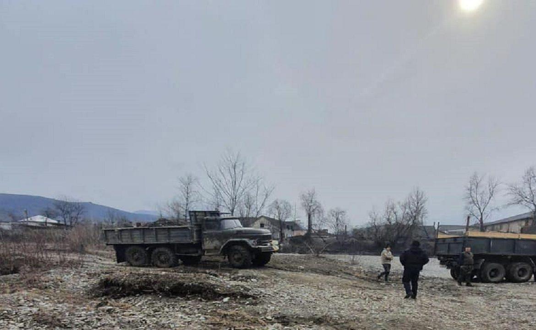 В селе Велики Быков Раховского района сотрудники местного отдела милиции задокументировали факт незаконной добычи полезных ископаемых.
