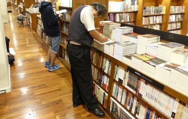 До переліку людей, які більш-менш регулярно читають книги, відносять себе 43% українців - і це молоді люди до 30 років.
