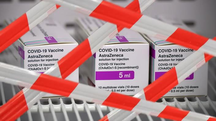 За останні дні 13 держав - майже половина членів ЄС - оголосили, що призупиняють використання вакцини AstraZeneca.