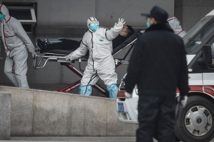 В Італії, у якої з Україною, а особливо із 3акарпаттям, великий пасажиропотік, є понад десять тисяч інфікованих.