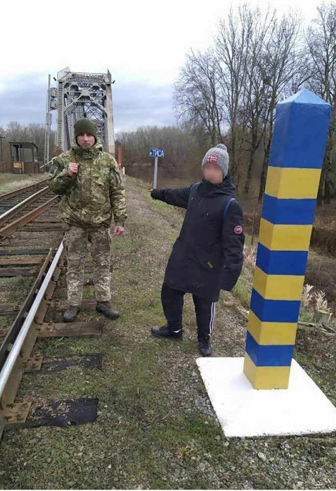 Вісімнадцятирічного італійця, який мав намір незаконним шляхом потрапити в Україну, затримали учора прикордонники Чопського загону.