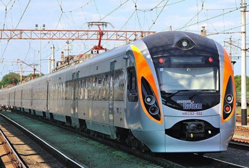 """На 21 березня призначено курсування двох поїздів класу """"Інтерсіті+"""" сполученням Пшемисль — Київ."""