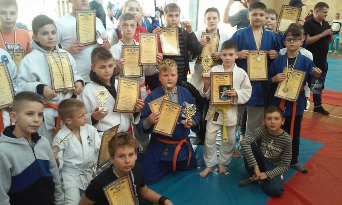 19 та 20 жовтня у Львові та Трускавці відбулися змагання по боротьбі самбо та дзюдо, в яких взяли участь вихованці ужгородської ДЮСШ№1.