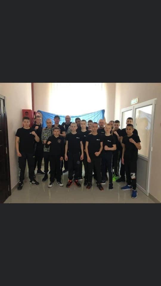 Боксерська юнацька збірна Закарпаття з тріумфом повернулася з зонального Чемпіонату України, який відбувся у Львові.