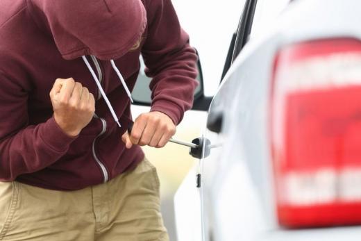 Слідчі Тячівського відділу поліції під час розслідування кримінальних проваджень за фактами угонів транспортних засобів встановили осіб, які обґрунтовано підозрюються у злочинах.