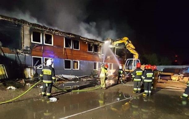 Людей вдалося оперативно евакуювати, тому в результаті інциденту ніхто не постраждав. Підозрювані затримані.