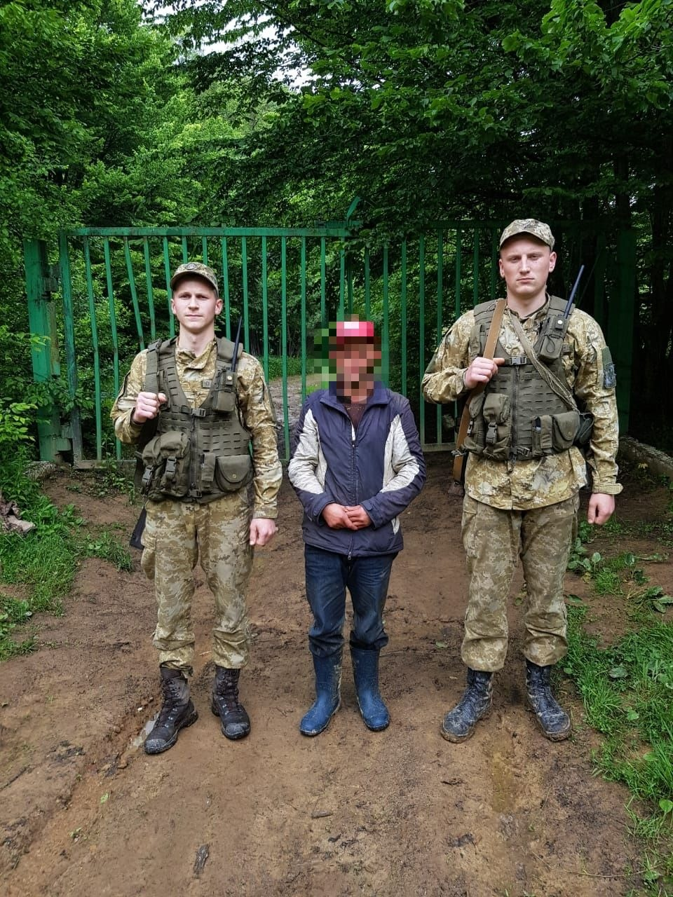 Громадянина Румунії, який, втративши орієнтування, незаконно потрапив на територію України виявили учора прикордонники відділення «Ракош» Мукачівського загону.