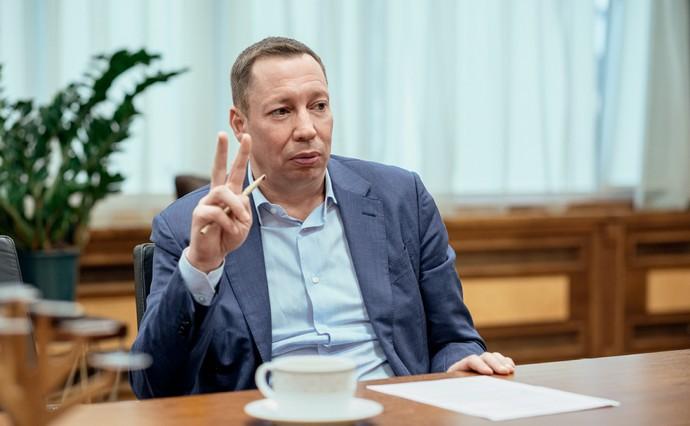 Нацбанк очолив Кирило Шевченко. Що відомо про нового голову, чому Банкова зробила ставку на нього, до чого тут МВФ, і чи варто чекати кардинальних змін в НБУ.