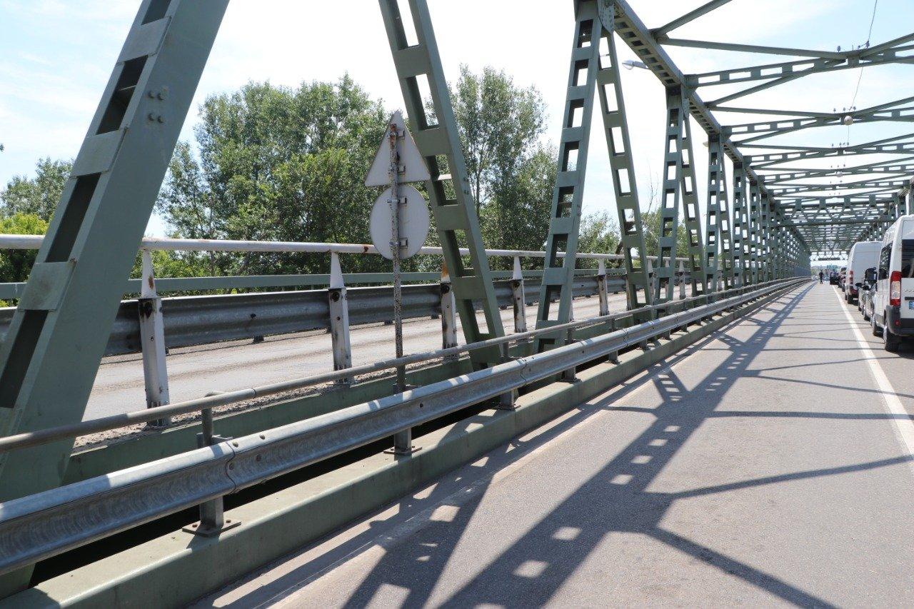 Ремонтні роботи на мості через Тису на пункті пропуску з Угорщиною Чоп-Захонь коштуватимуть 13 мільйонів гривень.