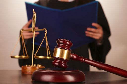 Закарпатський апеляційний суд задовольнив апеляційну скаргу прокурора і дозволив арешт майна лідера Партії угорців України Василя Брензовича, яке вилучила СБУ під час обшуків в кінці листопада.