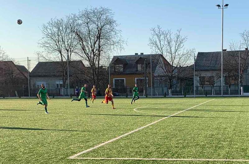 За путівки до фіналу команди змагалися на стадіоні спорткомплексу «Карпати» (Хуст).