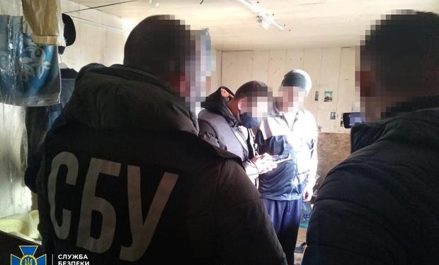 Співробітники Служби безпеки України викрили у Міжгір'ї чоловіка, який у соцмережах закликав до створення озброєних, щоб відокремити Закарпаття від України.