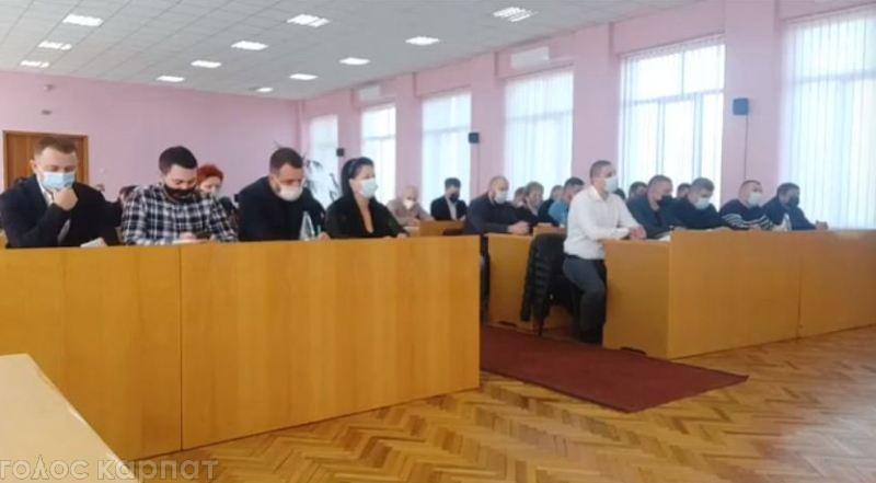 На черговій сесії Виноградівської міськради розглядається 141 питання. З них 69 – земельні.