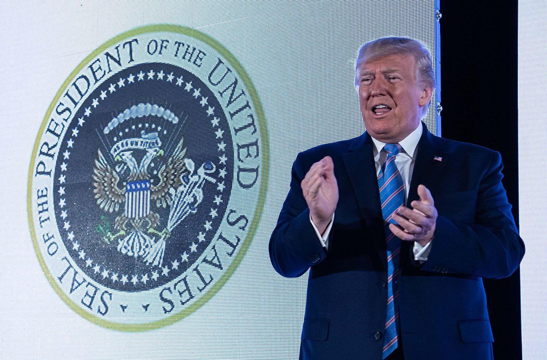 Також президент США у телефонній розмові з президентом Володимиром Зеленським підтвердив готовність сприяти реформам в Україні.