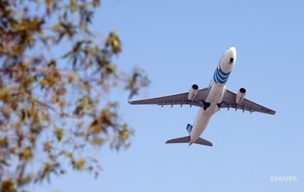 На 17 червня двома авіакомпаніями планувалося чотири рейси з Києва до Вроцлава, Кракова та Варшави.