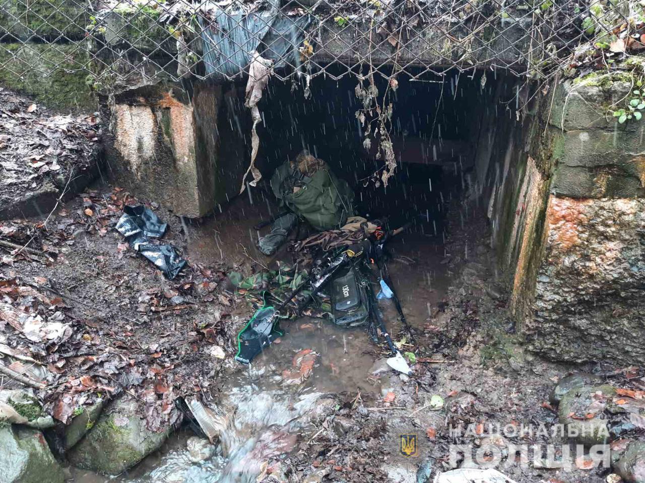 Поліцейські Рахівського відділення розкрили крадіжку товару з магазину, що спеціалізується на продажі мисливсько-рибальського спорядження.