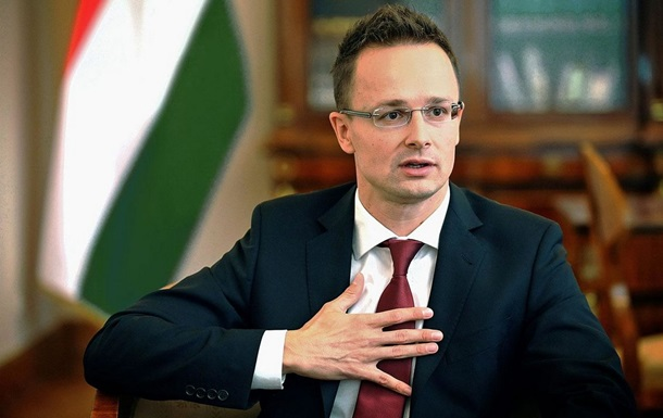 Петер Сіярто вважає цілком природною участь іноземних політиків в агітації в Україні.