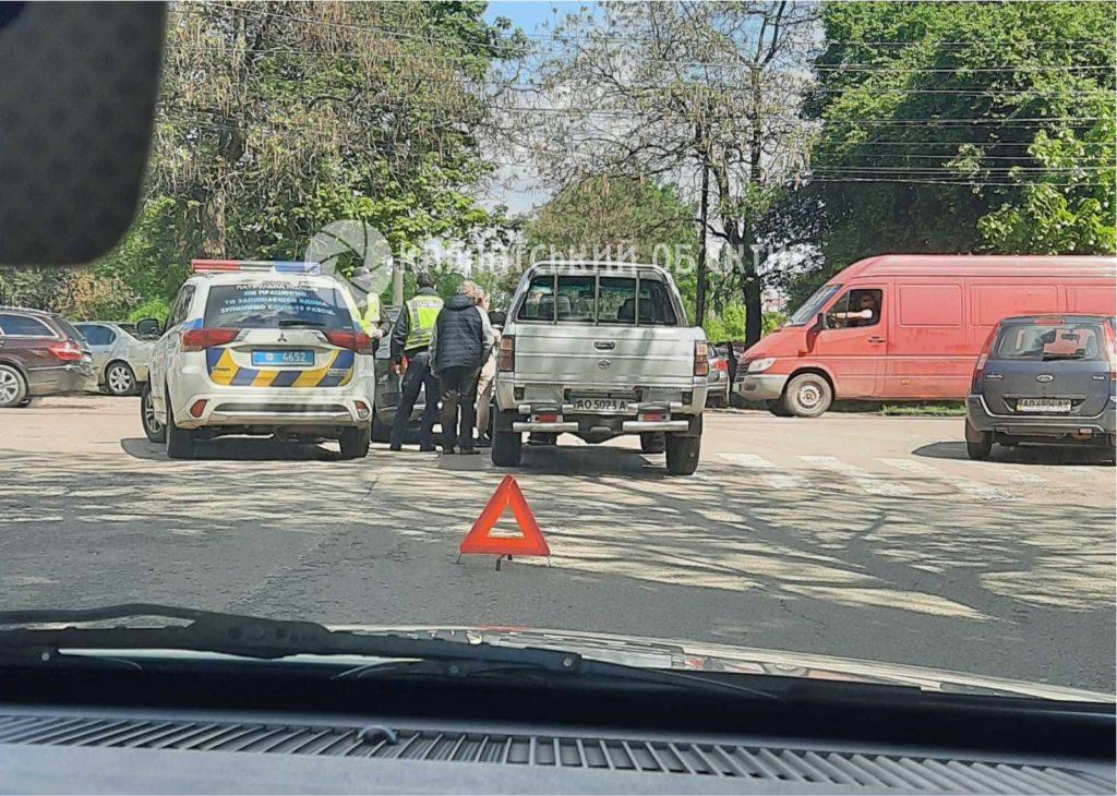 Авария произошла на улице Загорской.