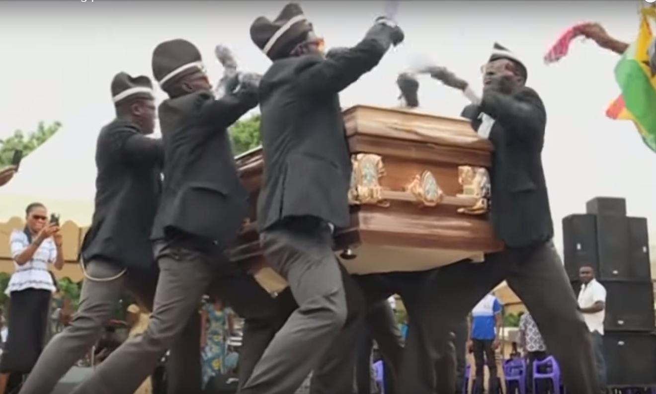 Із піснями й танцями - отакий похорон.