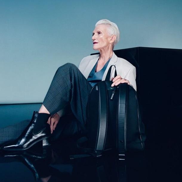 Фотограф Саша Самсонова сфотографувала 71-річну матір Ілона Маска в стильному образі для реклами Google ATAP.