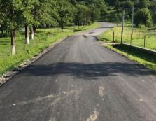Дороги на Тячівщині ремонтують у кількох напрямках