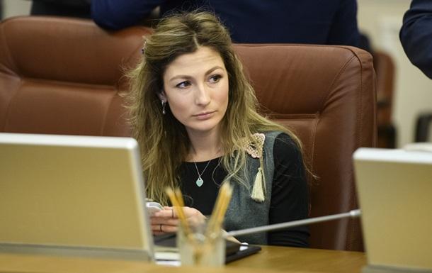 Україна не отримувала від представників Європейського Союзу на офіційному рівні інформацію про перегляд безвізової політики, зазначила перший заступник міністра закордонних справ.