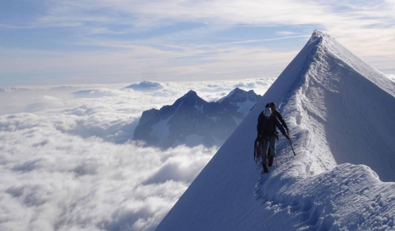 У Карпатах 21 лютого очікується значна небезпека сходження лавин, попереджає Державна служба з надзвичайних ситуацій.