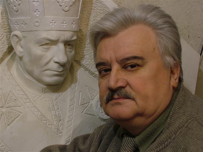 25 лютого, на 73-му році життя, у Львові помер відомий скульптор-рахів'янин, автор пам'ятника Гуцулу, Юрій Гав'юк.25 лютого, на 73-му році життя, у Львові помер відомий скульптор-рахів'янин, автор пам