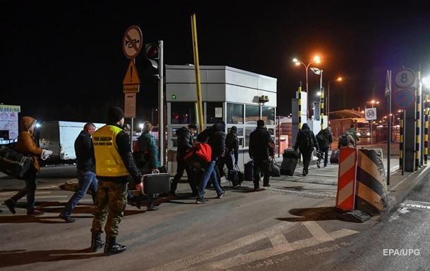 В Украину при содействии дипломатических учреждений вернулось 109 448 украинцев после закрытия границ из-за пандемии коронавирус.